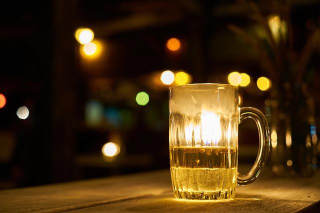 bar night photo